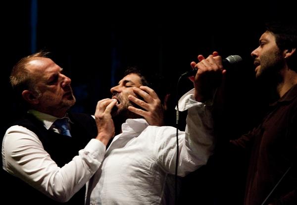Estado de exceção, de Rui Horta (Anton Skrzypiciel, Miguel Borges e Pedro Gil), fot. Mariana Silva.